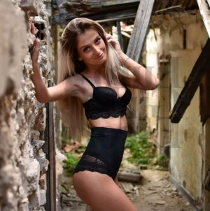 Benedetta escort girl in Shirley