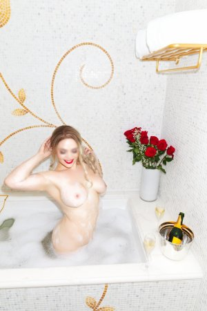 Shayana vip escort girl in Bastrop