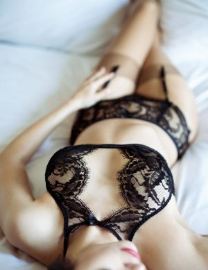 Isahora escort girls in Montgomery
